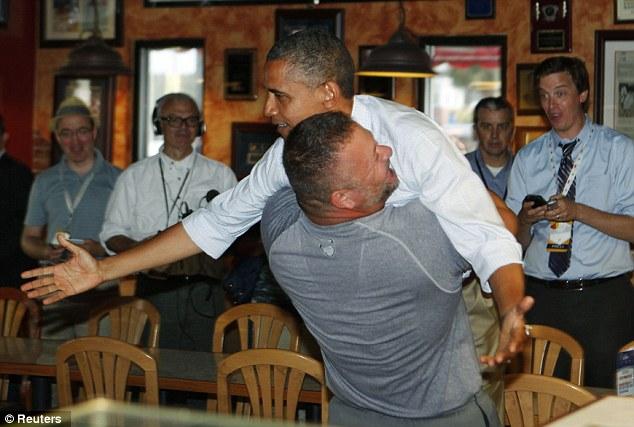 بالصور بيتزا الرئيس الامريكي باراك اوباما 2012
