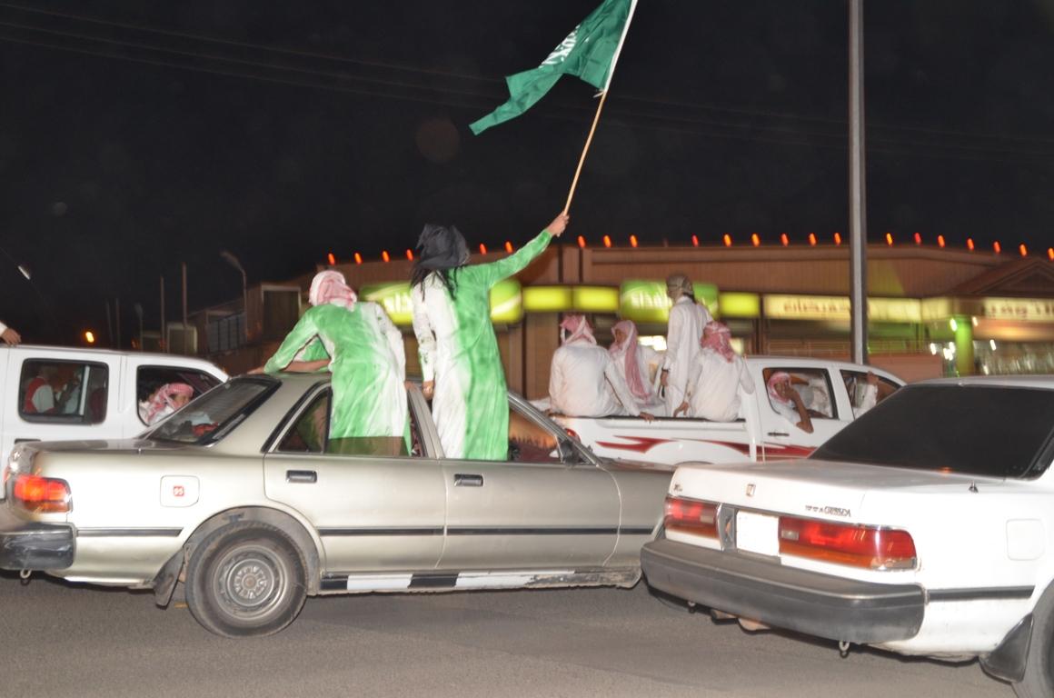 بالصور مخالفات بالجملة احتفالية ازعجوا السكان بالتفحيط السيارات