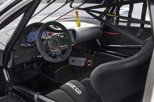 لسيارة السباقات Evora