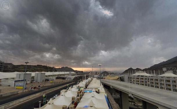 امطار بالصور الامطار عرفات المكرمة 22/10/2012