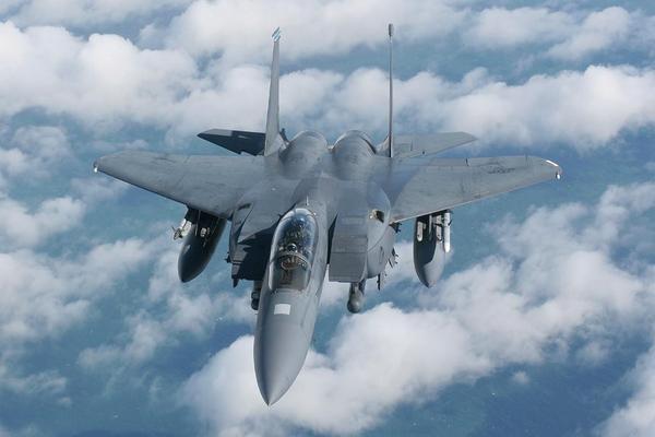 طائرة حربية بالخبر انفجار الطائرة المنطقة الشرقية