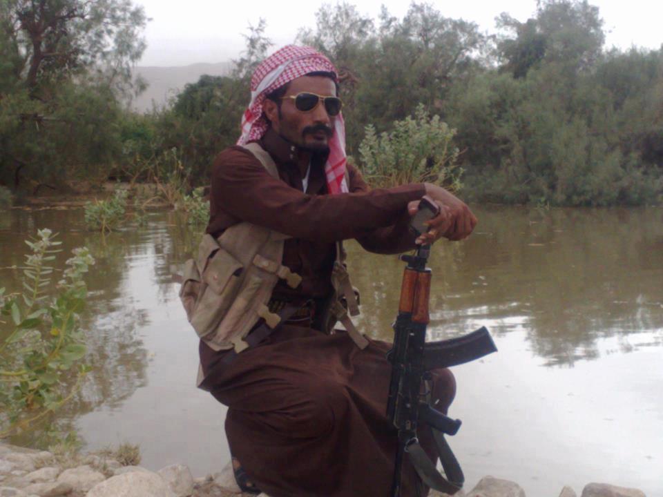 صورة كلفوت اللي دمر ابراج الكهرباء والانترنت اليمن