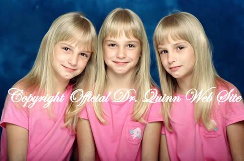 صور بنات توئم تستطيع التمييز بينهم