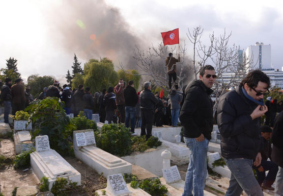 اخبار اعتقالات الدبلوماسي بلعيد بالصور اعتقالات جنازة الراحل