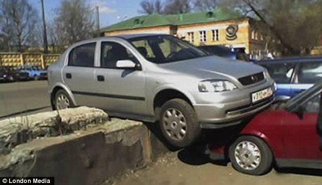 بالصور اوضاع انتهت سيارات المركبات