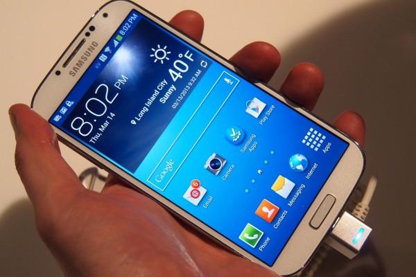 الطلب العالي عالميًا سامسونج محدودية إمدادات Galaxy
