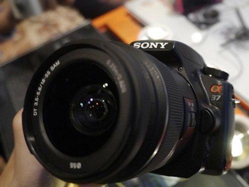 الكاميرا الحديثة Sony A37 كاميرات ينتظرها الالاف
