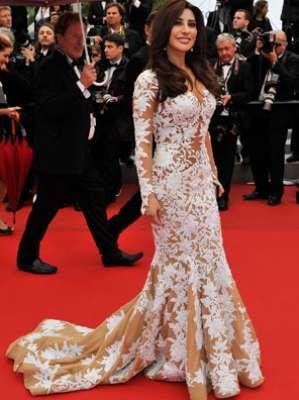 أناقة فستان الابيض