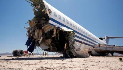 """بالفيديو. تحطيم طائره """"بوينج 727"""" عمداً لدراسة"""