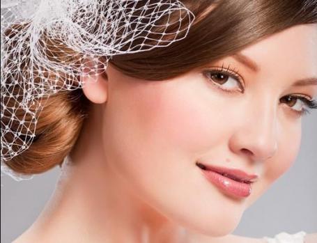 تسريحات الشعر المرفوع للعروس