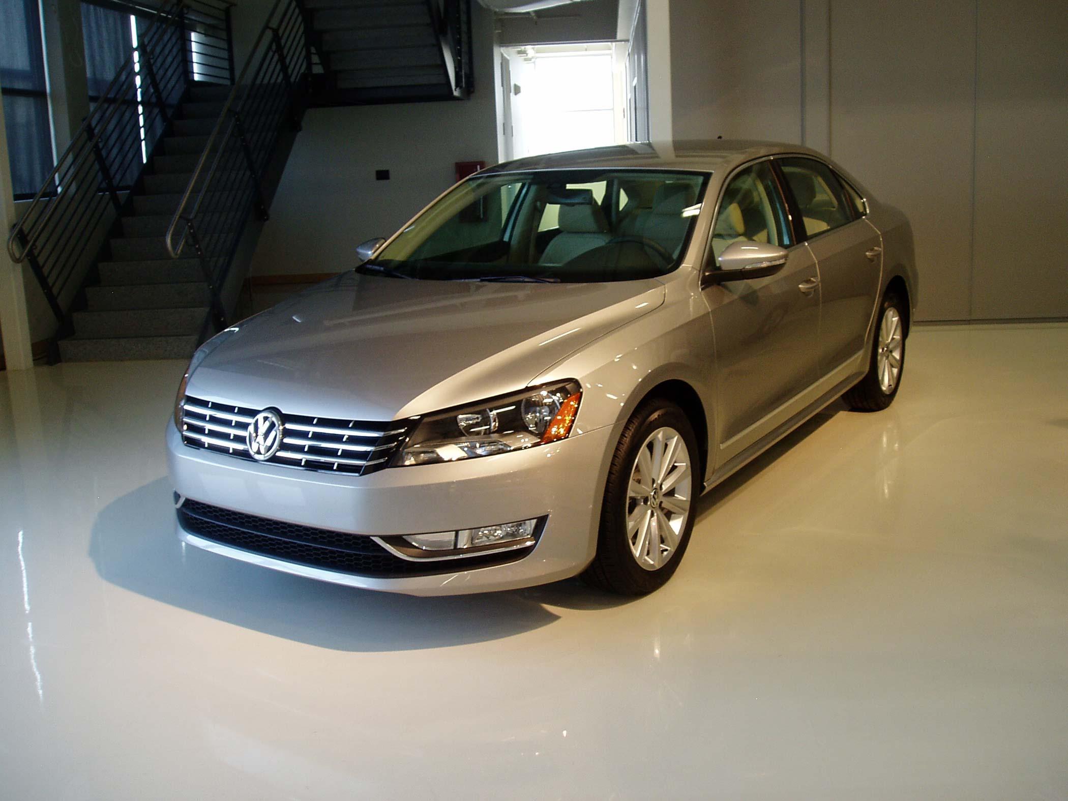 سيارة باسات سيدان الداخل والخارج2012 Volkswagen Passat Sedan